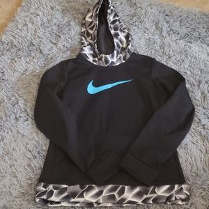 Girls Nike dri fit hoodie